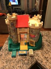 Vintage 1987 #993 CASTLE Fisher Price Little People W/ Accessories
