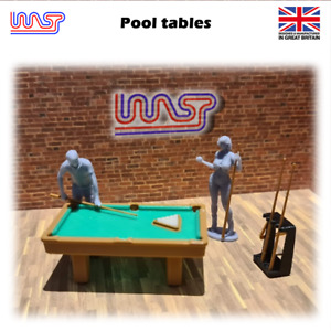Pool table & player figures - 1/32 scale - WASP,  scenery, pub, bar, game.