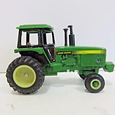 John Deer Diecast 5571 Tractor U Series, #3042U 2 Rear Tires, Used no Box