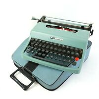 Olivetti Lettera 32 Typewriter and case
