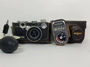 ARGUS C3 RANGEFINDER 35mm CAMERA w/CASE, 20ft Cable, Exposure Meter & lens hood