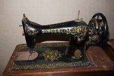 Ancienne machine à coudre Singer, notice et accessoires, XIXème siècle