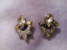 Set Clip On Earrings A Pair Of Small Clear