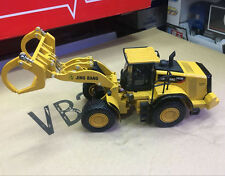1:50 DieCast Model Construction Vehicles - 982M Wheel Loader With Log Grapple