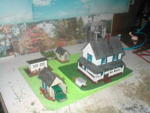 HO scale lot 5 buildings house farm set detailed,painted, w/light