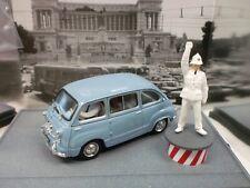 BRUMM 1/43 - FIAT 600 D MULTIPLA CON VIGILE PIAZZA VENEZIA ROMA 1960 - AS52R
