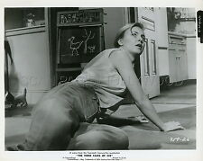 JOANNE  WOODWARD THE THREE FACES OF EVE 1957 2 VINTAGE PHOTOS ORIGINAL LOT