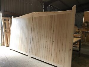 Large Wooden Driveway Gates Swan Neck All Sizes Made To Order The Manor Gate