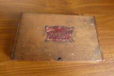 "Vintage old hinged wood box with a Bordeaux Logo ""Bandar"""