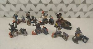 Vintage - K's Collection Halloween Haunted Houses - Lot of 8