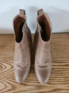 Wittner Tan Boots 40 / 9