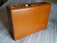 """Vintage 21"""" SAMSONITE Shwayder Bros Streamlite Wardrobe Suitcase"""
