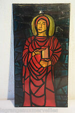C56 Ancien vitrail religieux avec un Saint