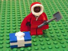 LEGO Star Wars Minifigure Santa Darth Maul with Coal shovel and blue present