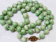 CHINESE EXPORT VINTAGE APPLE GREEN JADE BEADED NECKLACE, SILVER CLASP, 83g