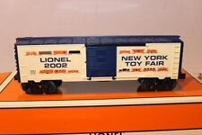 LIONEL- 29904- 2002 NEW YORK TOY FAIR BOXCAR -  0/027- NEW-W12