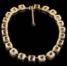 Kubus Collier Kette mit quadratischen citrinfarbenen Kristallen, goldfarben