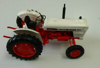 Universal Hobbies Tractor David Brown 995 (1973) 1/16th Scale Collector Model