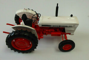Model Tractor David Brown 995 (1973) 1/16th Scale By Universal Hobbies
