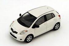 Toyota Yaris / Toyota Echo / Toyota Vitz / white Cararama 1:43 i-modelcars