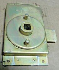 M939 EBERHARD LOCK  5631-51R 5631-P24 8760594 10911036-1