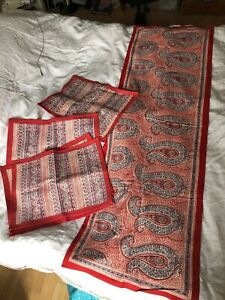 ANOKHI 'KOKON' TABLE RUNNER + 6 PLACEMATS COTTON BLUE/ RED PAISLEY PATTERN