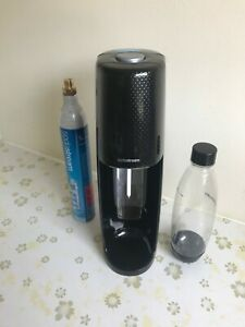 SodaStream Spirit One Touch Auto Machine with 1 L Bottle and Gas Cylinder