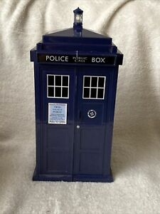 Dr Who Tardis Card Holder With 53 Monster Invasion Trading Cards