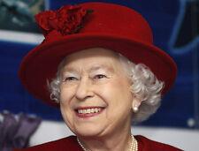Queen Elizabeth II 10 x 8 UNSIGNED photo - P1032