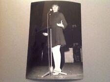 MIREILLE MATHIEU à L'OLYMPIA en 1967 - PHOTO DE PRESSE ORIGINALE  13x18cm