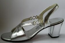 Amalfi by Rangoni silver leather evening sandals Truillo 8N 1970s