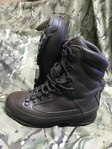 Brown Cold Wet Weather SF Karrimor Boots!Excellent/Hardly Used!Size 8 Medium