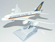 Emirates A380 Airbus 16cm Airlines Die Cast Metal Desk Aircraft Plane Model UK