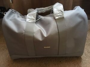 BRAND NEW 100% GENUINE GIORGIO ARMANI GREY DUFFLE TRAVEL GYM WEEKEND FLIGHT BAG