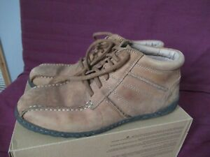 Mens Hush Puppies high top shoes size 10