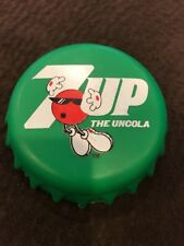 Vintage 7up The Uncola Ice Pack 1996 Munchkin Green Bottle Cap Shaped Spot
