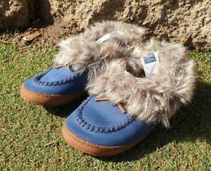 Janie and jack Boy's Faux Fur Seude Like warm Slipper Shoes Sz 8