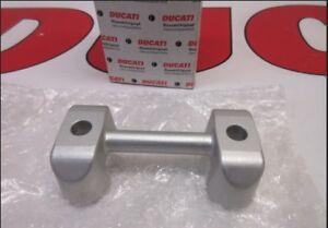 Ducati Multistrada 1100 lower handlebar holder bracket 36010461C