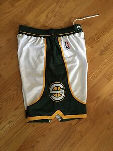Original Brand New Official Reebok Seattle Supersonics Shorts Size 36 Home