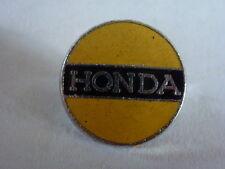 pin's épinglette broche émaillé au four  moto HONDA