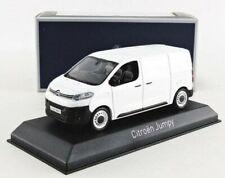 Camions miniatures utilitaire blancs