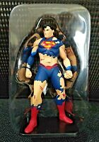 "DC COMICS Superman vs Doomsday Battered Superman 4"" Mini-Figure -LIMITED EDITION"