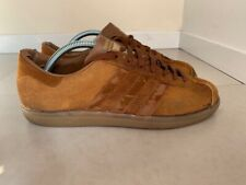 Vintage Adidas Hawaii - UK 9  - Made in France - fully wearable - PROJECT