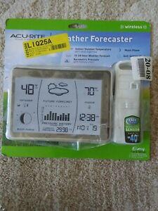 Acurite Wireless Weather Forecaster indoor / Outdoor  temperature