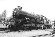 Railway Steam Photo. 7029 GWR 'CLUN CASTLE.    (2)