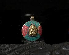 Joli Pendentif Tibétain Bouddha en Laiton incrusté d'Turquoise d'imitation