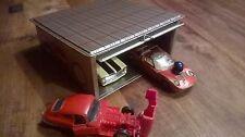 Garage di lamiera per modellini di auto NUOVO (ALT) circa 25 anni