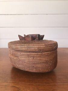 Vintage Papua New Guinea Buka Basket Footed Lidded Trinket Dish With Fish/Eel