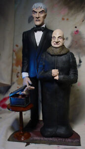 Addams Family Diorama - UNCLE FESTER LURCH THING STATUE Professional Build Paint