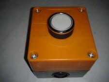 Controlbox Bedienkasten Tasterbox JK-1W mit 1 Leuchtdrucktaster Weiss LED 10-30V